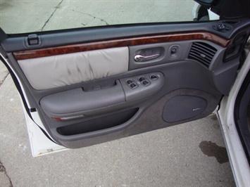 1997 Chrysler LHS - Photo 11 - Cincinnati, OH 45255