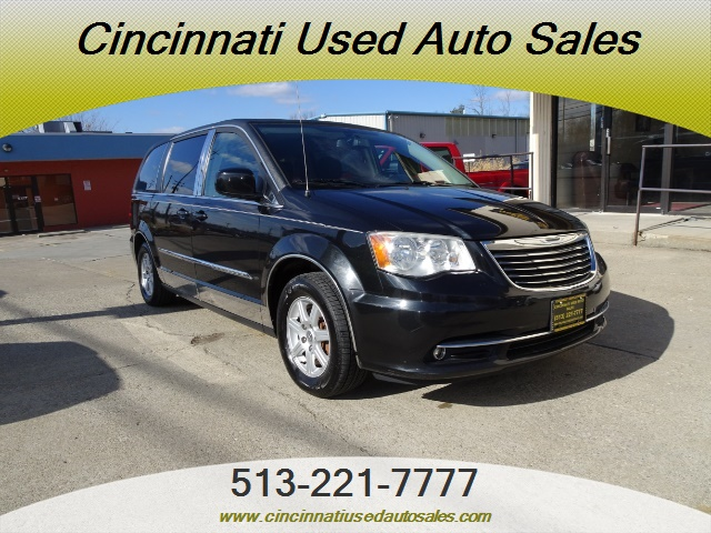 2011 Chrysler Town & Country Touring - Photo 1 - Cincinnati, OH 45255