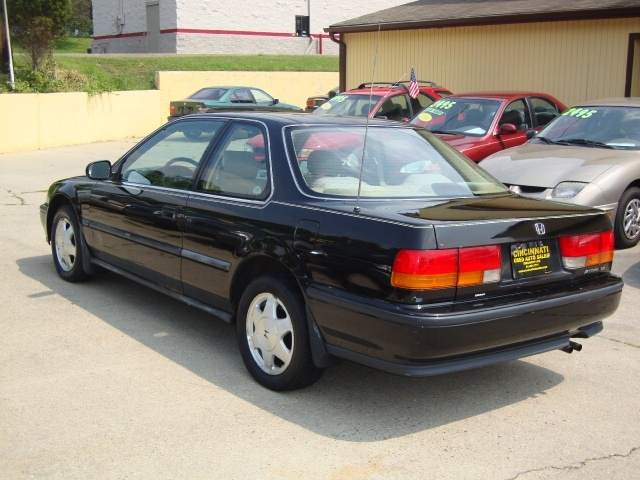 Honda Accord Ex >> Cincinnati Used Auto Sales LLC - Photos for 1992 Honda Accord EX