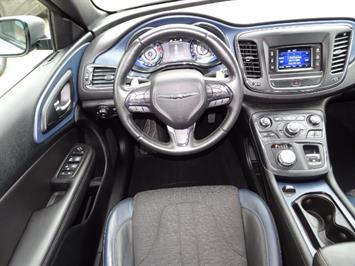 2015 Chrysler 200 Series S - Photo 12 - Cincinnati, OH 45255