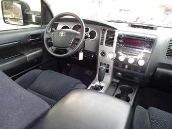 2010 Toyota Tundra Grade - Photo 12 - Cincinnati, OH 45255