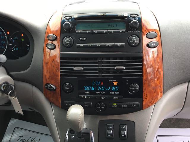 2006 Toyota Sienna XLE 7 Passenger - Photo 20 - Cincinnati, OH 45255