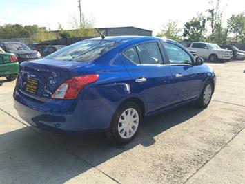 2012 Nissan Versa 1.6 SV - Photo 6 - Cincinnati, OH 45255
