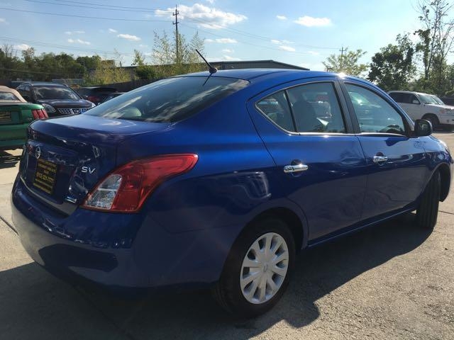 2012 Nissan Versa 1.6 SV - Photo 12 - Cincinnati, OH 45255