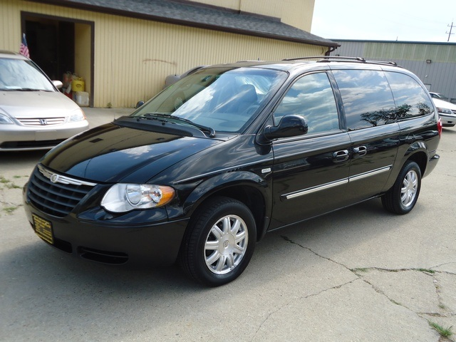2006 Chrysler Town  U0026 Country Touring For Sale In