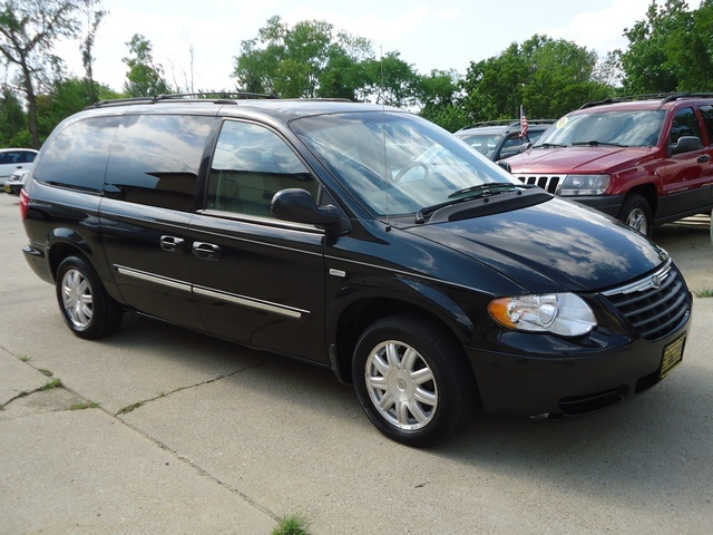 Used  Chrysler Town And Country Touring