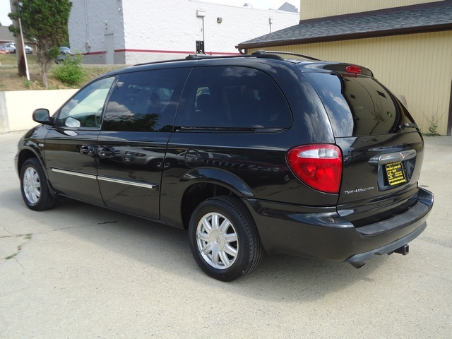 Town And Country Auto Sales >> Cincinnati Used Auto Sales LLC - Photos for 2006 Chrysler Town & Country Touring