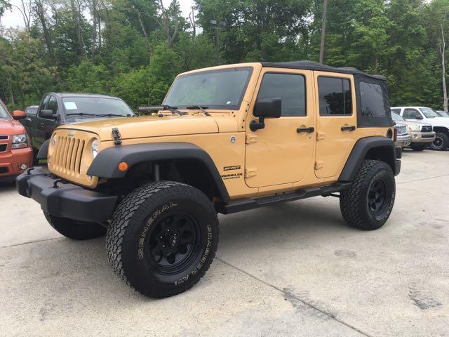 2014 Jeep Wrangler Unlimited Sport - Photo 3 - Cincinnati, OH 45255