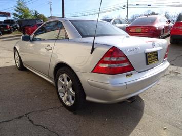 2002 Mercedes-Benz SLK SLK 230 Kompressor - Photo 10 - Cincinnati, OH 45255