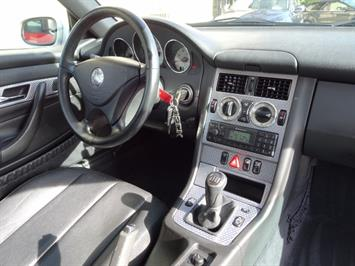 2002 Mercedes-Benz SLK SLK 230 Kompressor - Photo 6 - Cincinnati, OH 45255