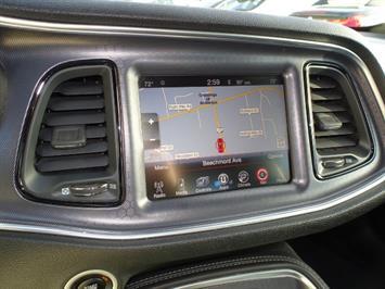 2015 Dodge Challenger R/T Scat Pack - Photo 17 - Cincinnati, OH 45255