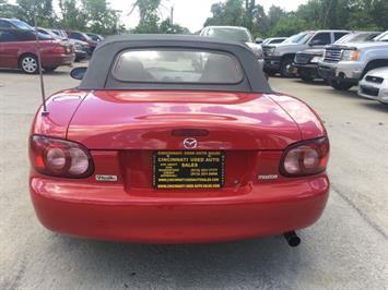 2002 Mazda MX-5 Miata - Photo 5 - Cincinnati, OH 45255