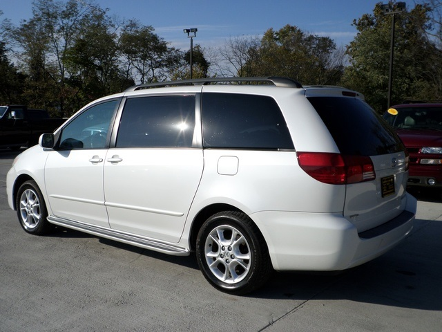 ... 2005 Toyota Sienna XLE Limited 7 Passenger   Photo 4   Cincinnati, OH  45255 ...