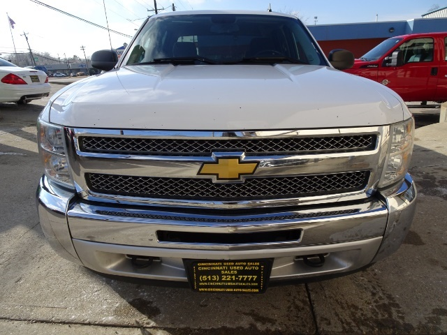 2013 Chevrolet Silverado 1500 LT - Photo 2 - Cincinnati, OH 45255