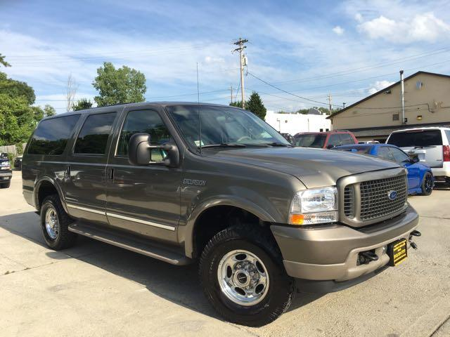 2002 Ford Excursion Limited - Photo 12 - Cincinnati, OH 45255