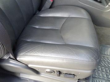 2005 Chevrolet Silverado 2500 LT 4dr Crew Cab - Photo 21 - Cincinnati, OH 45255