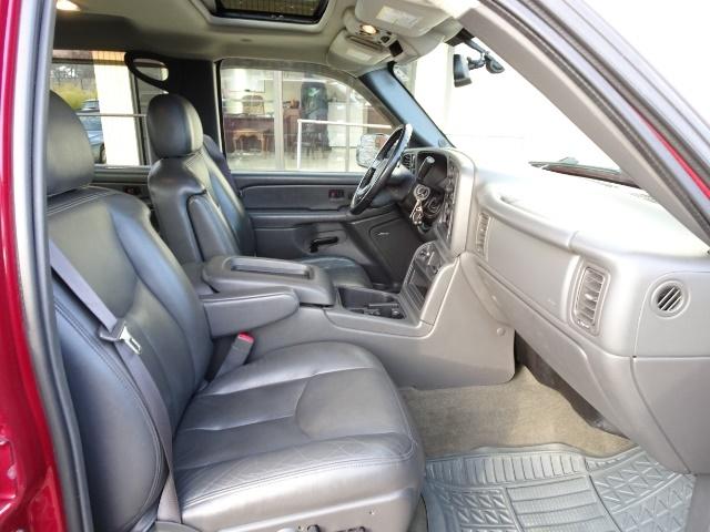 2005 Chevrolet Silverado 2500 LT 4dr Crew Cab - Photo 13 - Cincinnati, OH 45255