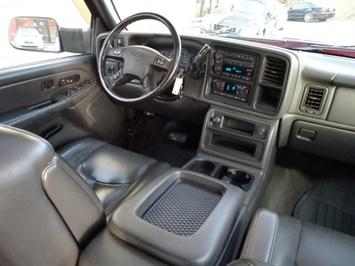 2005 Chevrolet Silverado 2500 LT 4dr Crew Cab - Photo 12 - Cincinnati, OH 45255