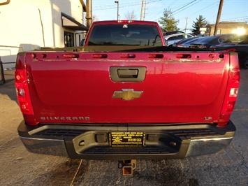 2009 Chevrolet Silverado 2500 Work Truck - Photo 4 - Cincinnati, OH 45255