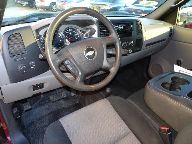 2009 Chevrolet Silverado 2500 Work Truck - Photo 13 - Cincinnati, OH 45255