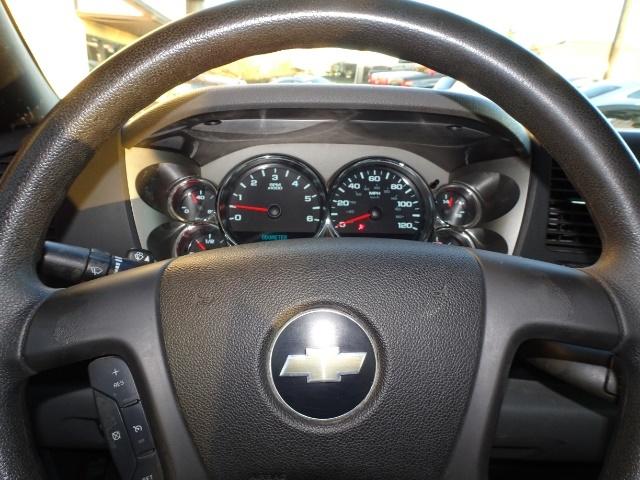 2009 Chevrolet Silverado 2500 Work Truck - Photo 15 - Cincinnati, OH 45255