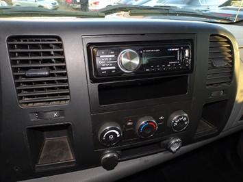 2009 Chevrolet Silverado 2500 Work Truck - Photo 17 - Cincinnati, OH 45255