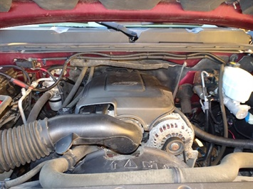 2009 Chevrolet Silverado 2500 Work Truck - Photo 28 - Cincinnati, OH 45255
