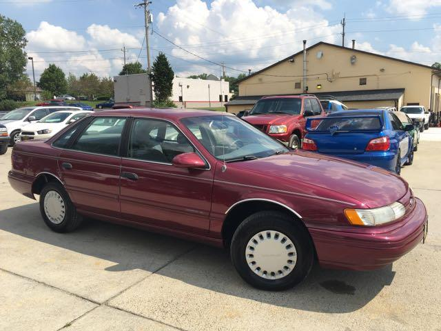 1993 Ford Taurus GL - Photo 10 - Cincinnati, OH 45255