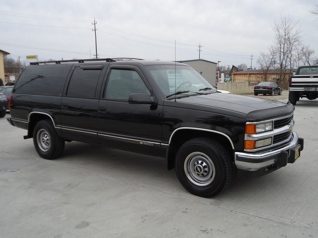 1995 chevrolet suburban c1500 for sale in cincinnati oh stock 11173. Black Bedroom Furniture Sets. Home Design Ideas