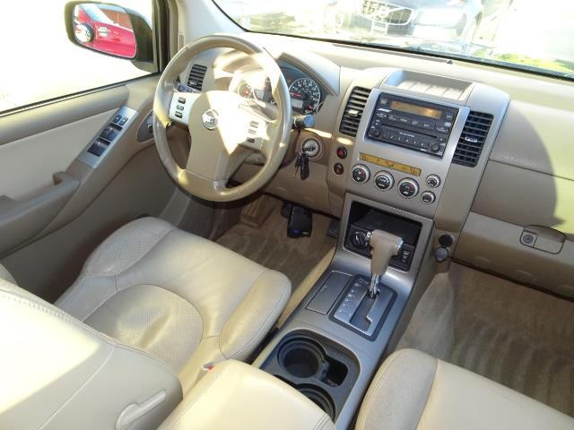 2005 Nissan Pathfinder XE - Photo 13 - Cincinnati, OH 45255