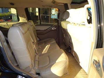2005 Nissan Pathfinder XE - Photo 15 - Cincinnati, OH 45255