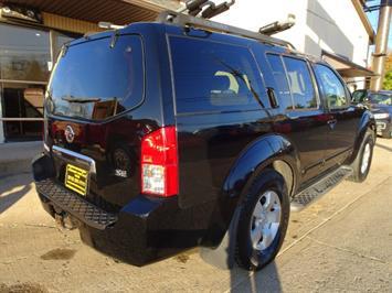 2005 Nissan Pathfinder XE - Photo 5 - Cincinnati, OH 45255