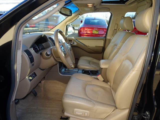 2005 Nissan Pathfinder XE - Photo 7 - Cincinnati, OH 45255