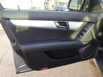 2008 Mercedes-Benz C 300 Sport 4MATIC - Photo 22 - Cincinnati, OH 45255