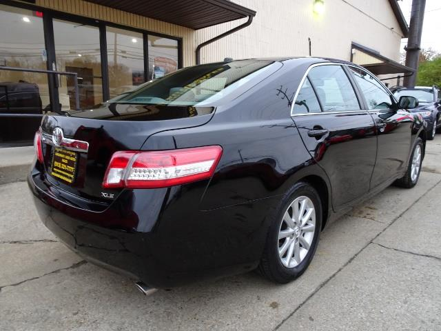 2011 toyota camry xle v6 for sale in cincinnati oh. Black Bedroom Furniture Sets. Home Design Ideas