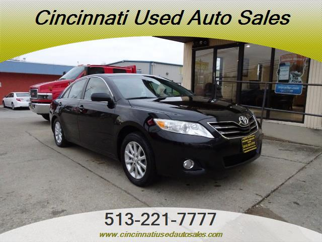 2011 Toyota Camry XLE V6 - Photo 1 - Cincinnati, OH 45255