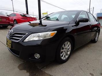 2011 Toyota Camry XLE V6 - Photo 9 - Cincinnati, OH 45255