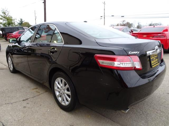 2011 Toyota Camry XLE V6 - Photo 11 - Cincinnati, OH 45255