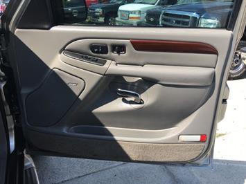 2003 Cadillac Escalade ESV - Photo 25 - Cincinnati, OH 45255