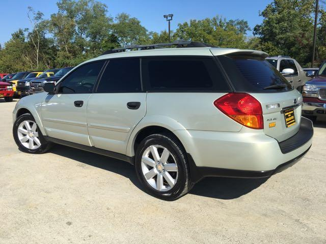 2006 Subaru Outback 2.5i Special Edition - Photo 12 - Cincinnati, OH 45255