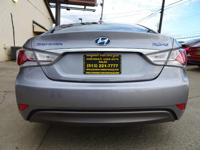2015 Hyundai Sonata Hybrid - Photo 4 - Cincinnati, OH 45255