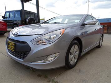 2015 Hyundai Sonata Hybrid - Photo 9 - Cincinnati, OH 45255