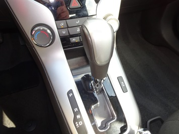 2014 Chevrolet Cruze 1LT Auto - Photo 17 - Cincinnati, OH 45255