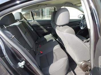 2014 Chevrolet Cruze 1LT Auto - Photo 14 - Cincinnati, OH 45255
