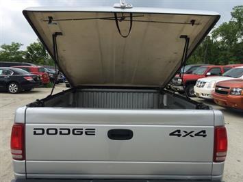 2001 Dodge Dakota SLT - Photo 20 - Cincinnati, OH 45255