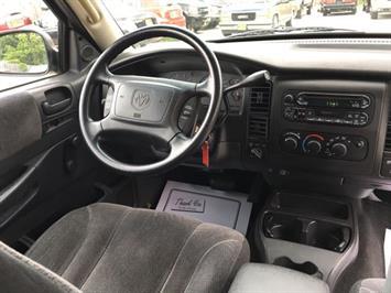 2001 Dodge Dakota SLT - Photo 7 - Cincinnati, OH 45255
