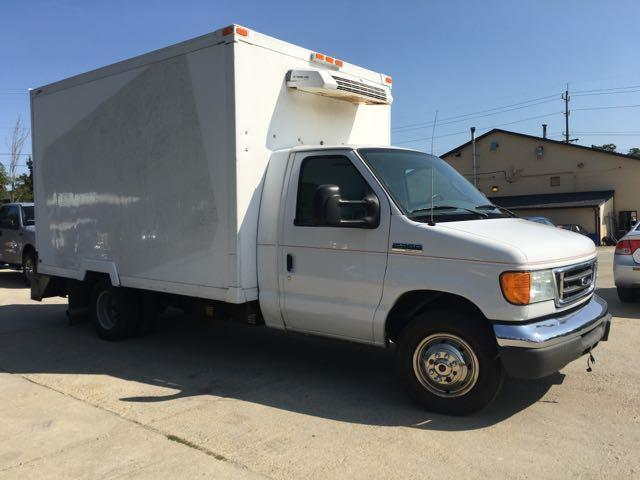 2006 Ford E350 Vans - Photo 8 - Cincinnati, OH 45255