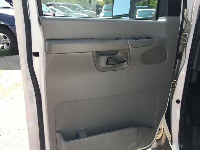 2006 Ford E350 Vans - Photo 12 - Cincinnati, OH 45255