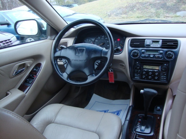 ... 1999 Honda Accord EX V6   Photo 7   Cincinnati, OH 45255 ...
