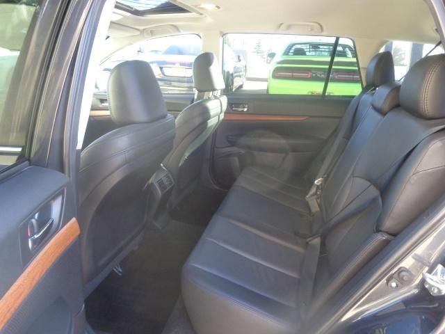 2013 Subaru Outback 2.5i Limited - Photo 8 - Cincinnati, OH 45255
